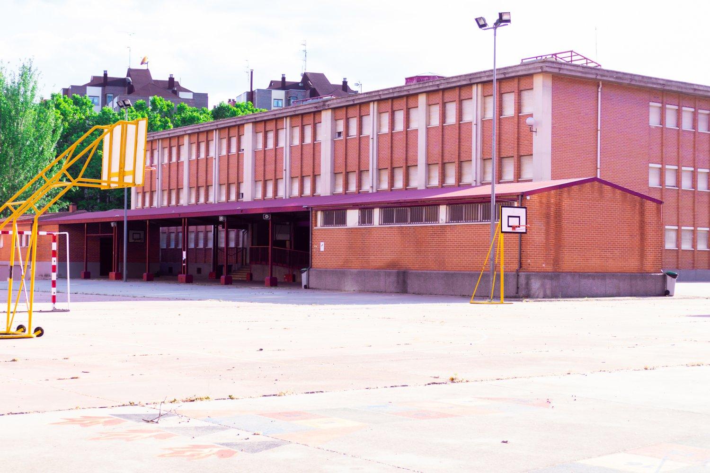 colegio-profesor-tierno-galván-10