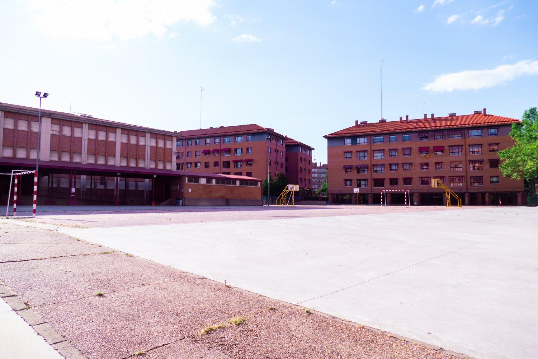 colegio-profesor-tierno-galván-11